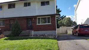 3 bedrooms rouse near confederation college