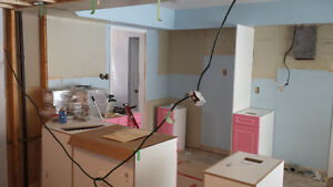 RENOVATOR/HANDYMAN AVAILABLE** 25 + YEARS*** London Ontario image 2