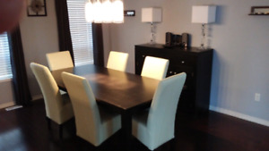COSTOM MADE OAK TABLE AND SERVER WITH 6 LEATHER CHAIRS 84X42