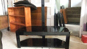 black glass tv stand  in great cond