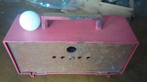 Red Plastic Transistor Radio Kitchener / Waterloo Kitchener Area image 2