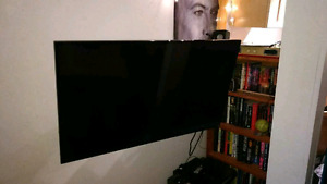 "43"" 1080p 120hz smart tv with wall mount"