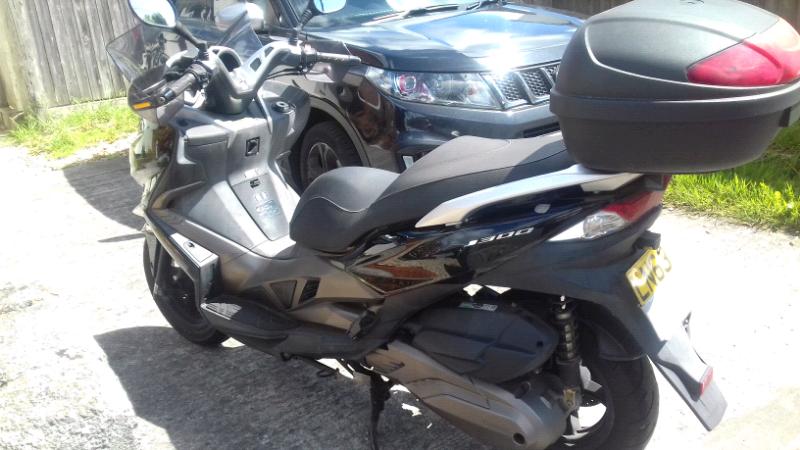 300cc Kawasaki scooter | in Bridgend | Gumtree