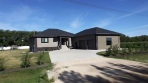 House for Sale in Altona, MB - 53 Prairie View Drive