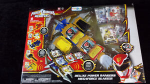 Deluxe Power Rangers Megaforce Blaster New and Unopened