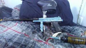 Spyder Pilot - Paintball Gun + tank and hopper