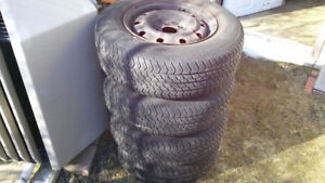 4 Pneus été Motomaster AW 215/70 R15 8/32  Summer Tires