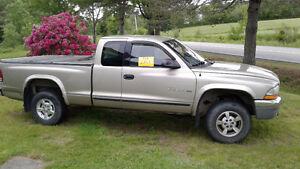For Sale  - 2002 Dodge Dakota SLT Pickup Truck
