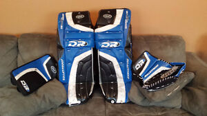 """Goalie pad set 36 """" with matching Blocker and Trapper"""
