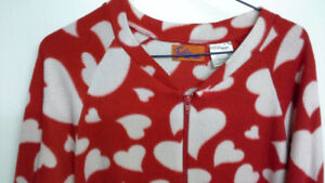 red onesie pajama with white hearts. women's size 3, extra short