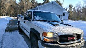 2001 GMC Sierra Pickup Truck