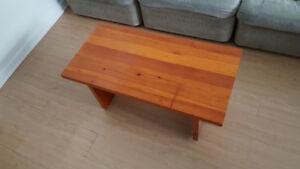 Living room table / table de salon
