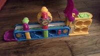 Play-doh fun factory conveyor belt toy