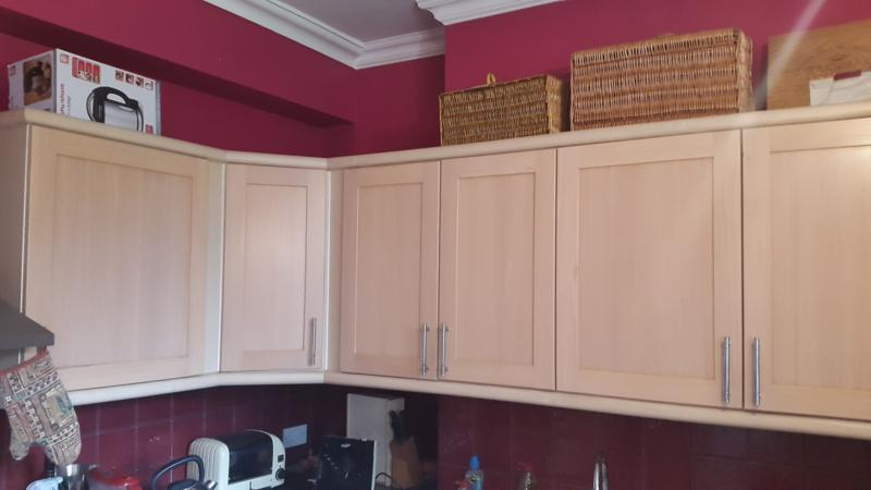 Solid wood kitchen cabinet doors and drawers including for Kitchen cabinets gumtree