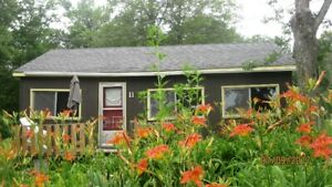 Last minute deal 3 bdr cottage near Kingston $75 a night