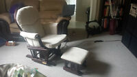 Glider Rocking Chair in Great Condition!!