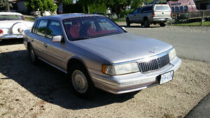 Open to Reasonable Offers on my 1991 Lincoln Continential