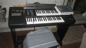 YAMAHA  ME-10 Organ/Bench/Dust Cover/Manuals/Etc....