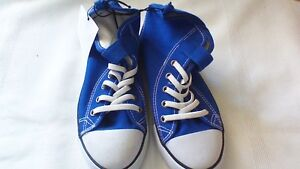 2 pairs girls high top running shoes size 1