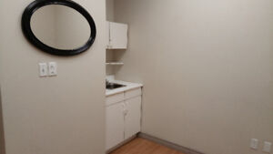 Private room for rent for $500 in downtown Burlington Beauty Spa