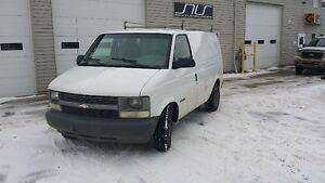 2002 Chevrolet Astro Cargo Minivan, Van