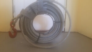 Heavy duty cable with tow hook never used