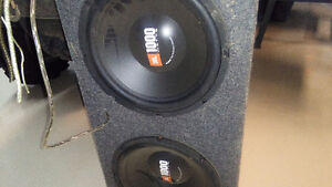 Kenwood 1000 watt sub woofer system for vehicle