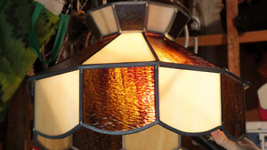 STAINED GLASS LAMP SHADE - REQUIRES HARDWARE