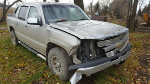 Wanted 2004 Chevrolet Avalanche Ltz SUV, Crossover