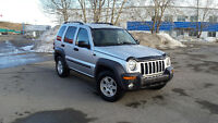 2004 Jeep Liberty SUV, only 180kms. drives great . remote starte