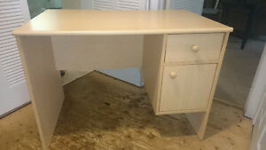 Desk in good condition for sale