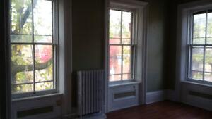 Germain st/1 bedroom /brick heritage