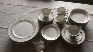 Arlen Fine China - Place Setting for 8