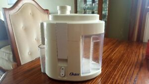 Oster 3165 Juice Extractor
