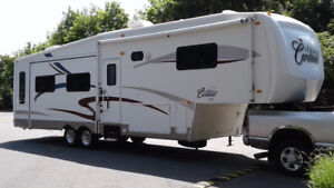 5th Wheel - Forest River Cardinal 34RLT