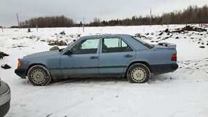 1985 mercedes 300E low km for its year, $2700 o.b.o