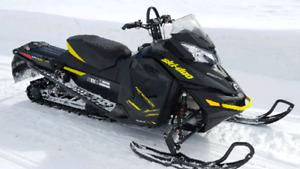 Motoneige ski-doo renegade x 800r etec