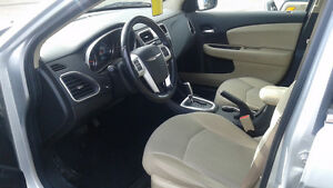 2011 Chrysler 200 Touring.  Great Price for a Great Car!! Kitchener / Waterloo Kitchener Area image 5