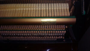 Samick SU-121 Upright Piano in Excellent Condition & Tuned Kitchener / Waterloo Kitchener Area image 6