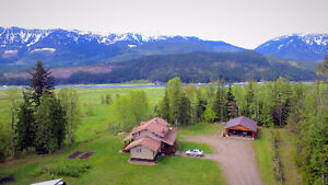 RE/MAX REVELSTOKE- Rural paradise just minutes from town / RMR