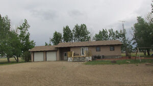 Perfect for Country Living - 2.2 Acres - Hays, AB