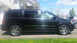 2010 Dodge Grand Caravan SXT Stow n Go
