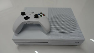 Mint inbox Xbox one s with receipt trade for PS4