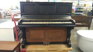 Antique Wormwith Piano 1907-1919