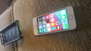 COMME NEUF ! IPHONE 5S 16GB TELUS KOODO PUBLIC MOBILE.