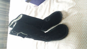 EMU tall black boots size 9 new with tag