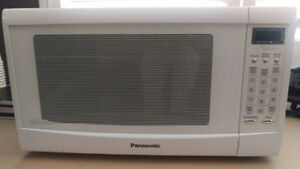 Microwave: Panasonic Inverter