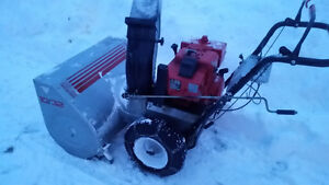 10 hp Craftsman snowblower with a 32in auger