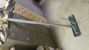 SNOW ROOF RAKE GREAT CONDITION