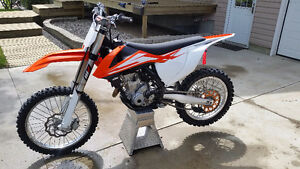 2016 KTM 350SXF *ONLY 13HRS, TONS OF SPARE PARTS AND EXTRAS*
